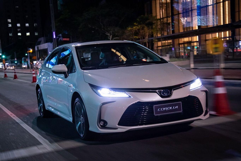 Toyota Corolla Altis Hybrid Premium