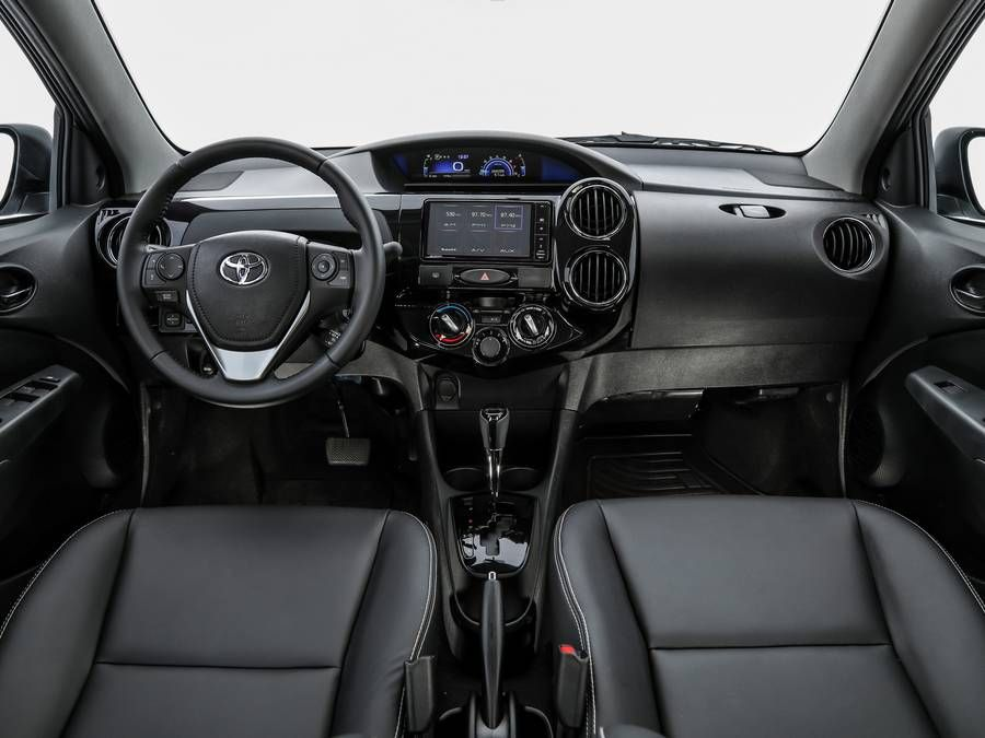 Toyota Etios HB XLS AT